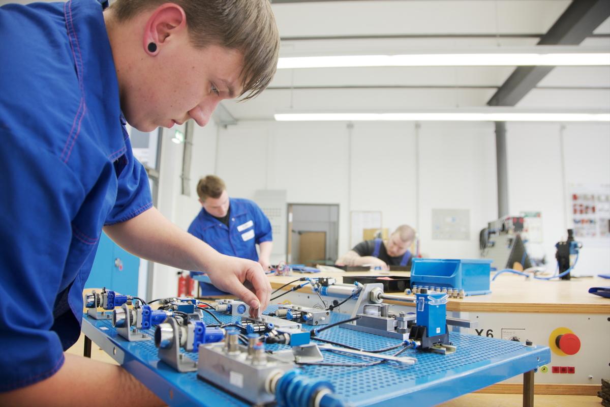 Ausbildung Elektrotechnik bei der ZAW Leipzig